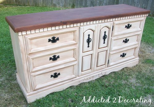 How to paint distress and antique a piece of furniture How to spray paint wood furniture