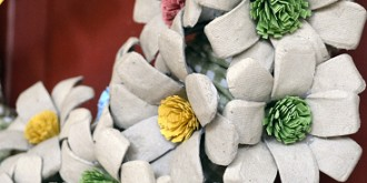 paper pulp egg carton flower wreath 4