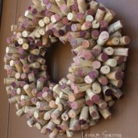 wine cork projects--wine cork wreath from living savvy