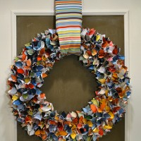 upcycled magazine wreath 8