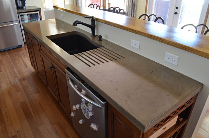 Precast Concrete Countertop With Integrated Drain Board