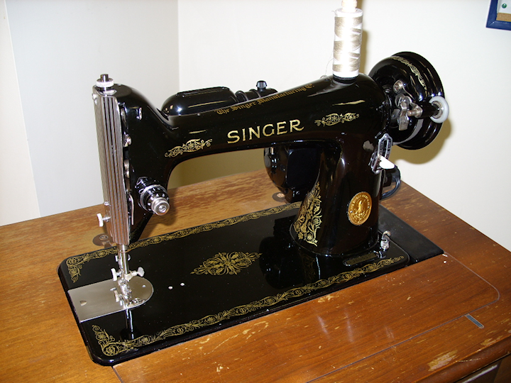 my old sewing machine - vintage 1940s or 1950s Singer sewing machine