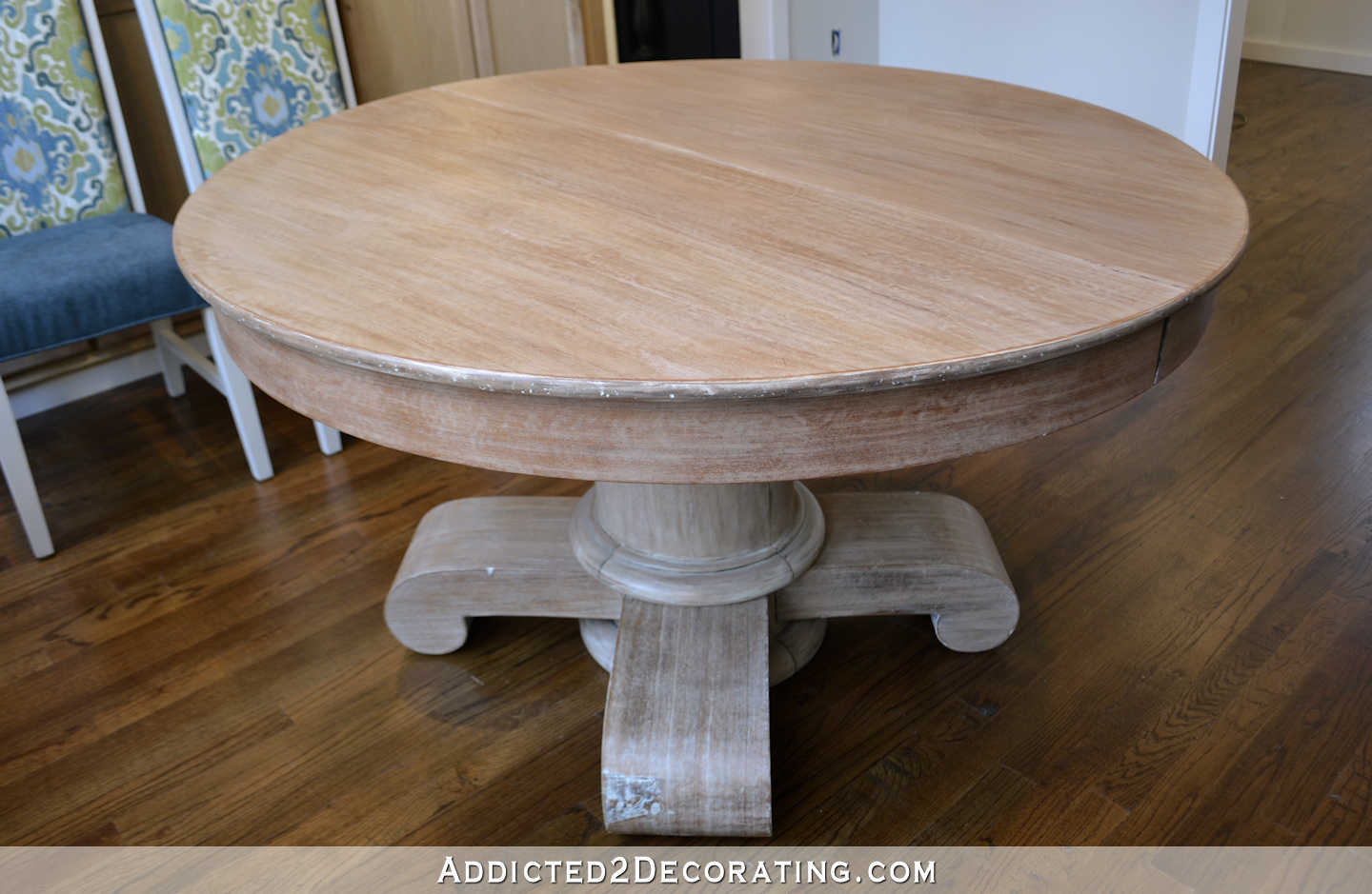 breakfast room dining table makeover - refinished table after