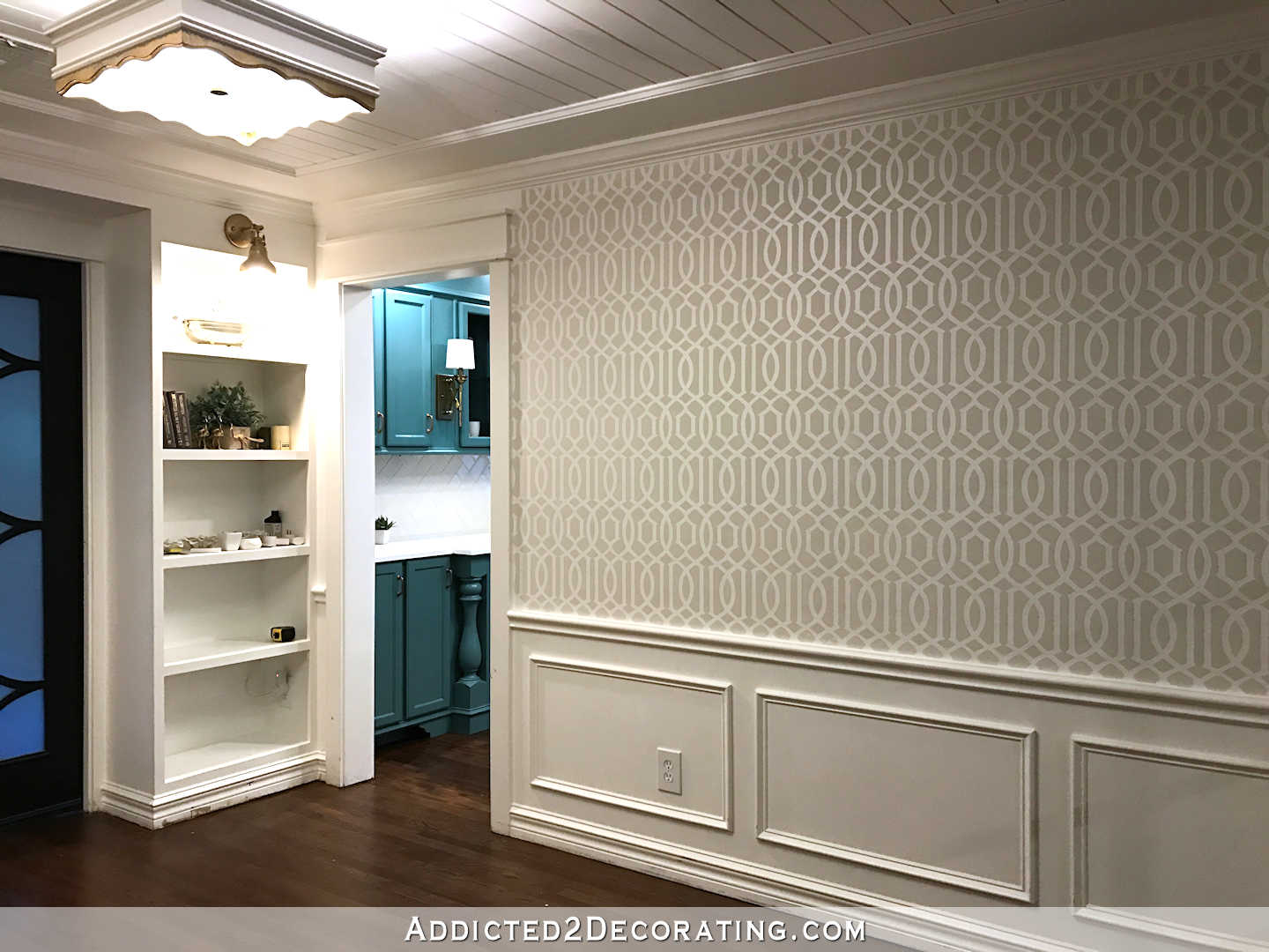 stenciled trellis design on walls in music room - 4