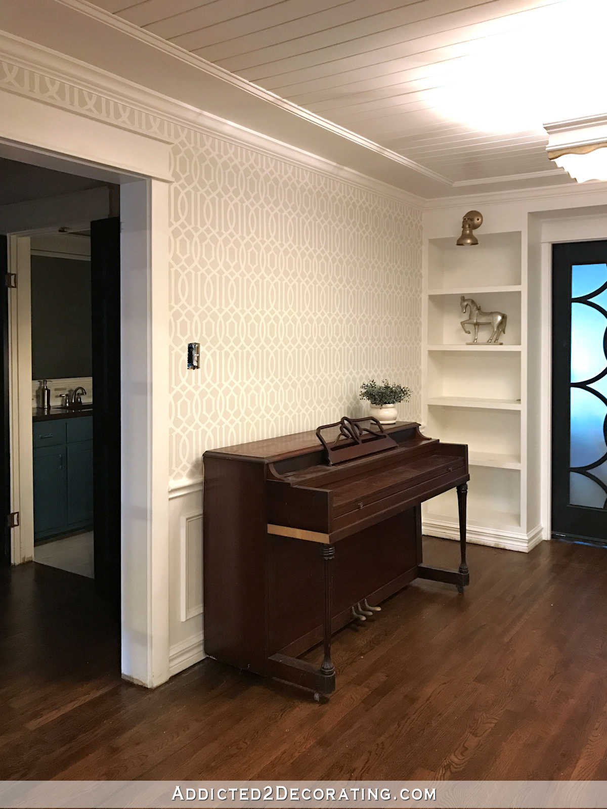 stenciled trellis design on walls in music room - 9